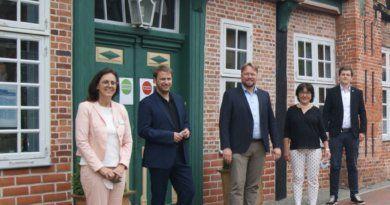 Christopher Vogt zu Besuch bei der Stiftung Mensch